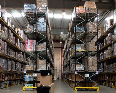 eCommerce: devoluciones / Foto (CC)-by Alvy @ Flickr (Almacén Amazon España)