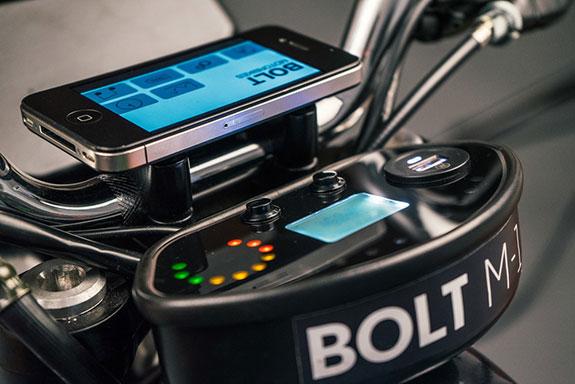 Bolt M-1 / App