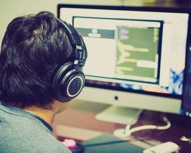 programming-2115930_640