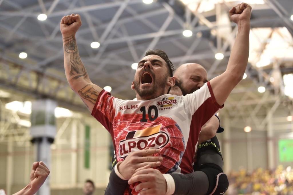 Álex Yepes, de El Pozo Murcia, celebrando