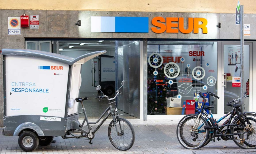 Hub urbano de SEUR en el distrito de L'Eixample de Barcelona