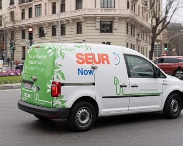 Vehículo cero emisiones de SEUR Now en las calles de Madrid